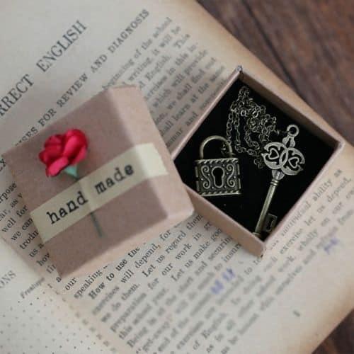 Metal Chain Bookmark 1