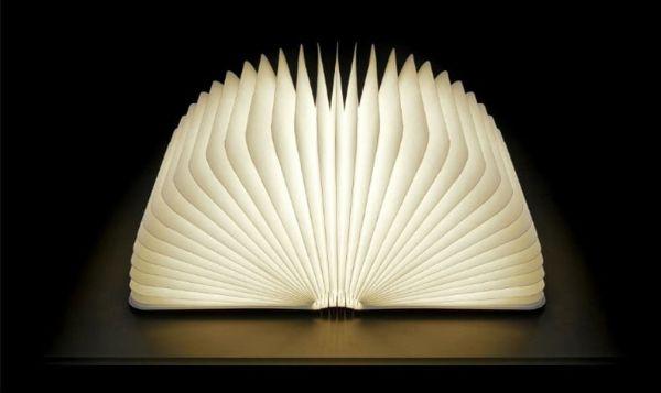 Woody Book Lamp